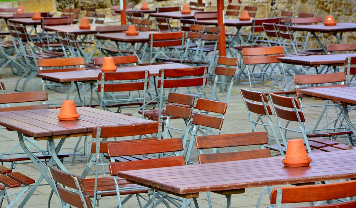 Biergarten- & Terrassenmöbel